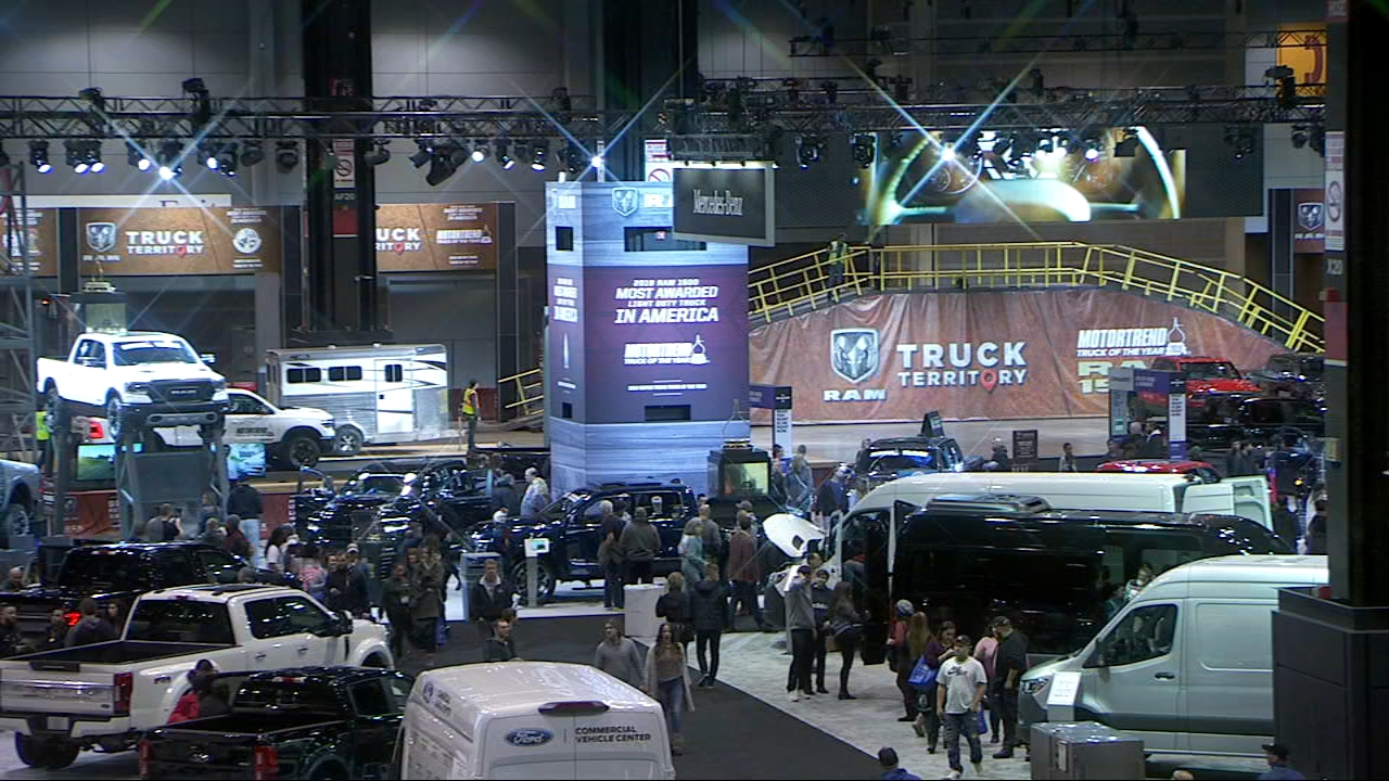 Chicago Auto Show Second Annual What Drives Her Event Celebrates Females In Automotive Business