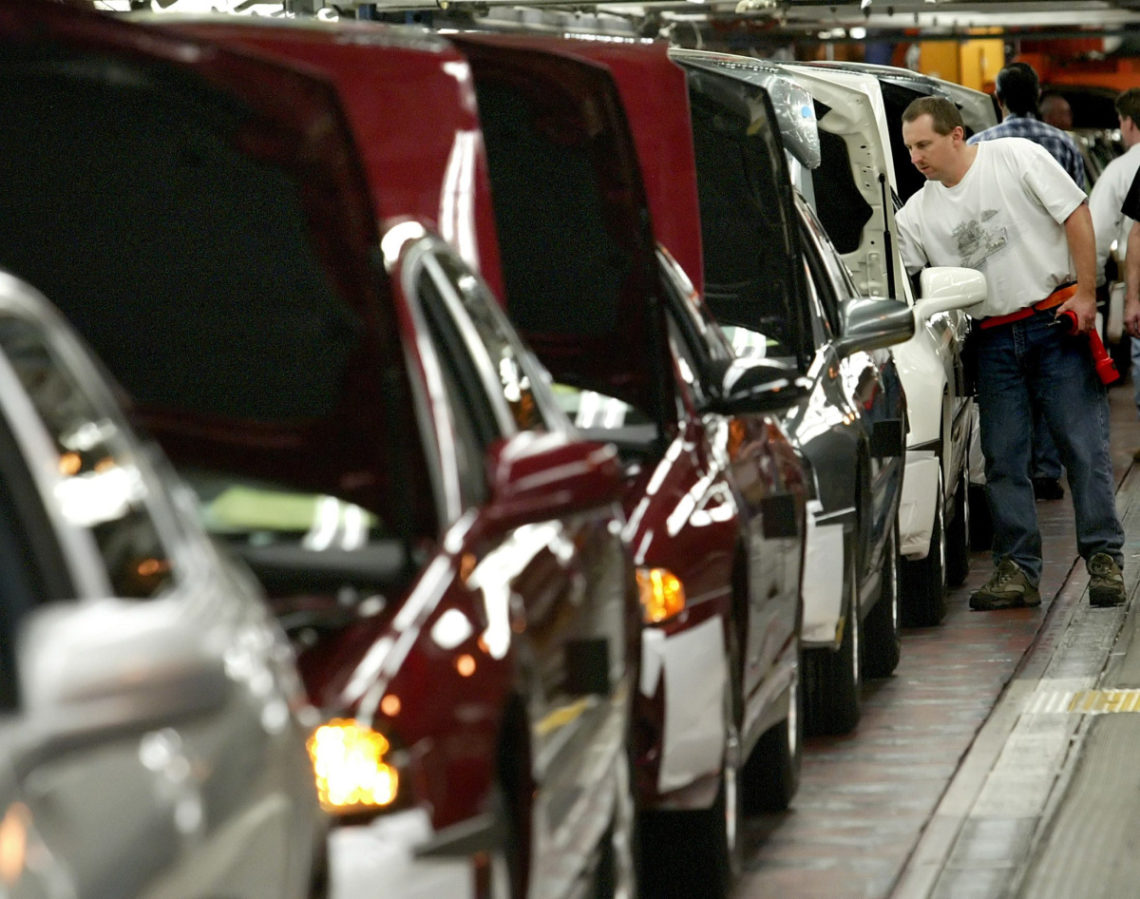 How Do You Get A Job In The Auto Market?Benefits Of Working In Automotive Industry
