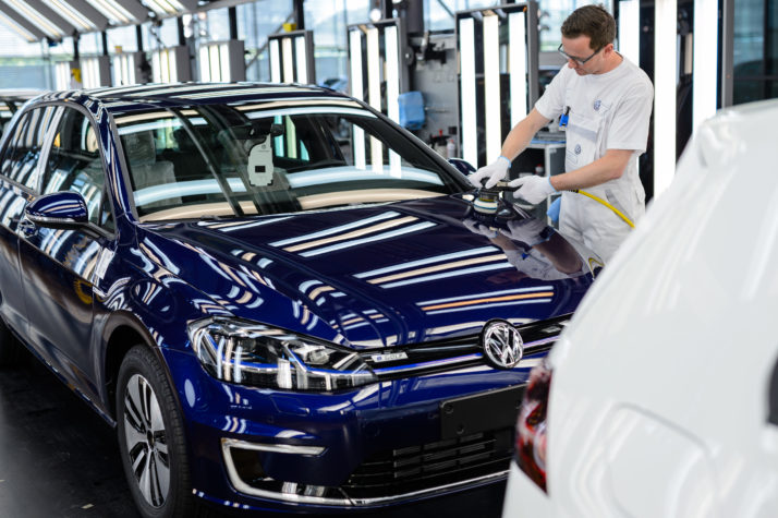 UK Auto Business Pleads For Brexit Deal As Investment Collapses By Half In 2018